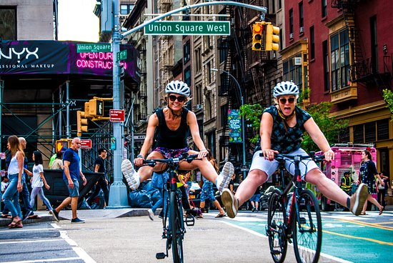 ‪Brooklyn Giro Bicycle Tours‬