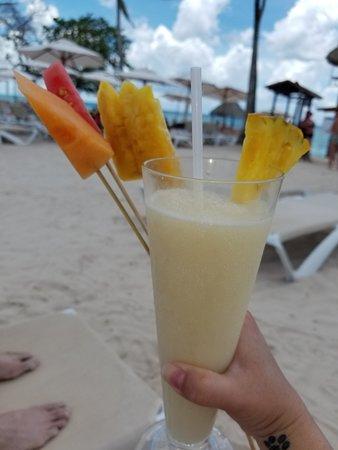 Dreams Dominicus La Romana: Coco Loco and fresh cut fruit!