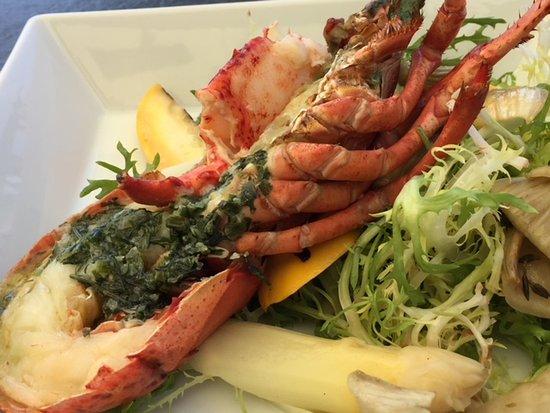 Grand Hotel: Half lobster garni detail