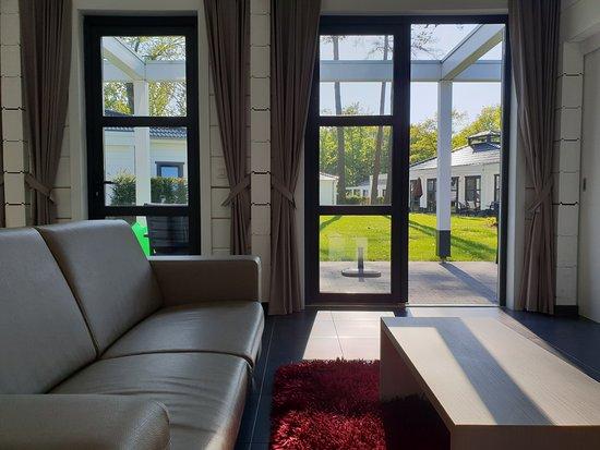 Landal Mooi Zutendaal: Huiskamer van Bungalow