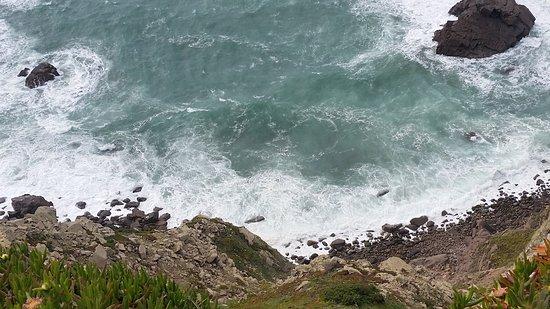 Cabo da Roca: Le onde viste dall'alto della scogliera.
