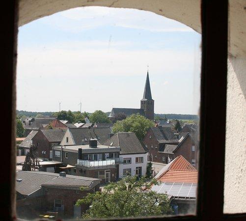 Blick aus dem Fenster der obersten Etage auf Geldern-Walbeck