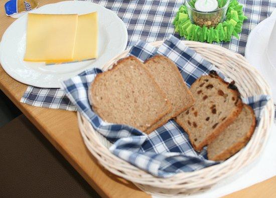 Geldern, Niemcy: Müllergedeck mit Käse, Teil 2