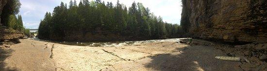 Saint-Casimir, Canada: Sur le bord de la rivière