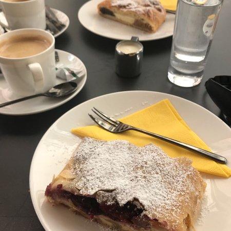 Strudel-Cafe Kröll: photo0.jpg