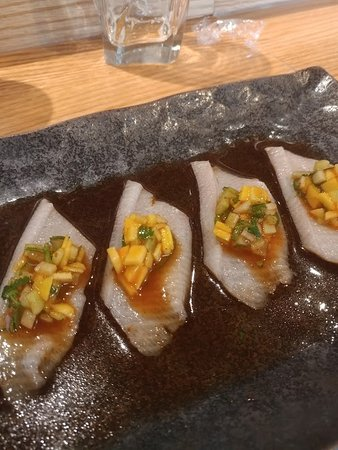 Umi Japanese Fine Dining: Yellowtail with mango salsa :)