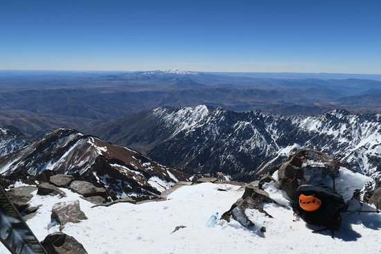 Day tour in high Atlas mountains: View from the summit