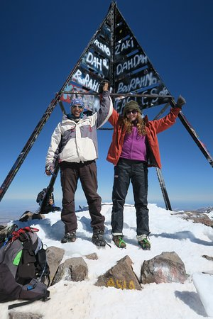 Day tour in high Atlas mountains: Celebrating at the summit!