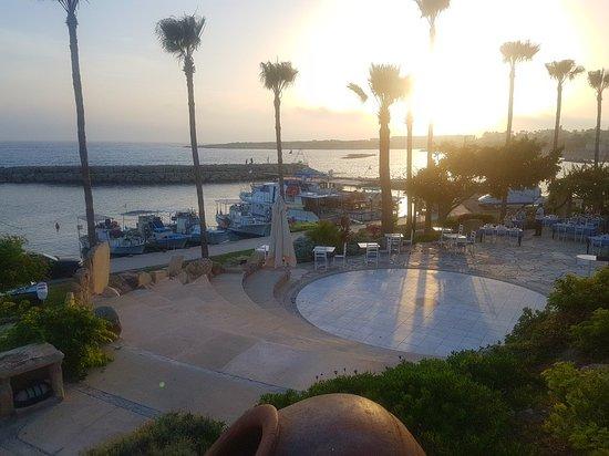 Coral Beach Hotel & Resort Photo