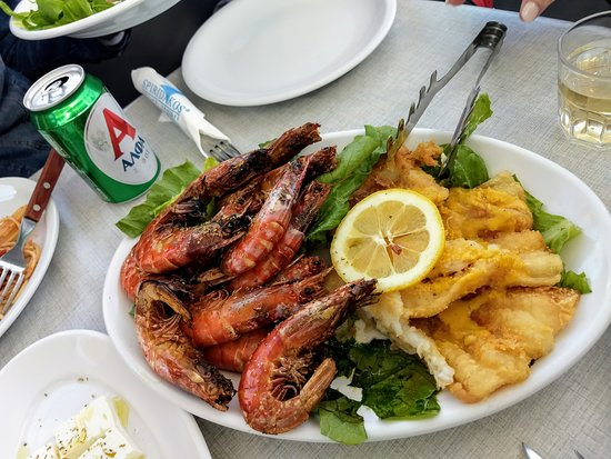 Private Catamaran Sailing in Santorini with BBQ Meal and Drinks: Delicious meal.