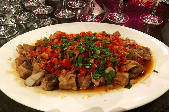 Restaurant Furusato: Costilla al vapor aliñado con salsa chili y pimientos 剁椒排骨