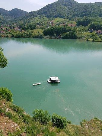 Zvornik, Bośnia i Hercegowina: A charming raft :)
