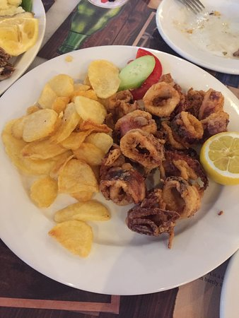 Maiandros: fried squid