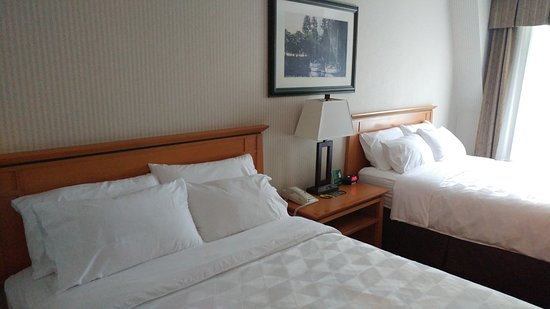 홀리데이 인 호텔 앤드 스위트 노스 밴쿠버 이미지