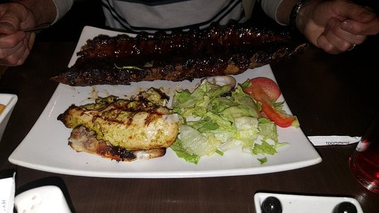Rothwell, UK: Enjoyed our meals at this steak restaurant. Good service, huge portions and excellent quality. C