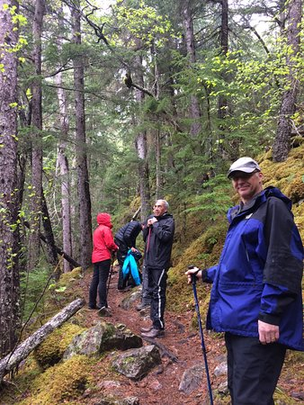 Alaska Mountain Guides : Hiking the Chilkoot Trail