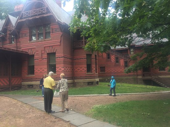 The Mark Twain House & Museum: Outside View
