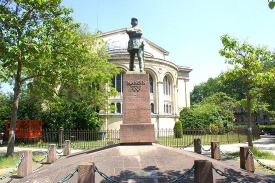Monument au General Mangin