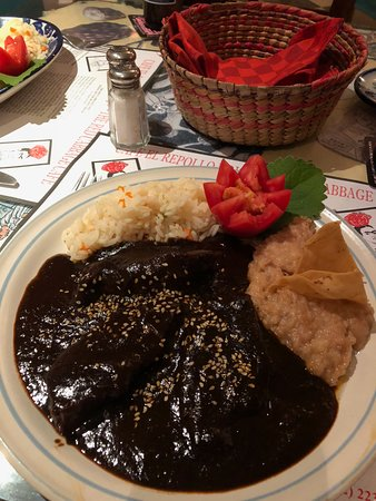 Red Cabbage Cafe: Mole Poblano