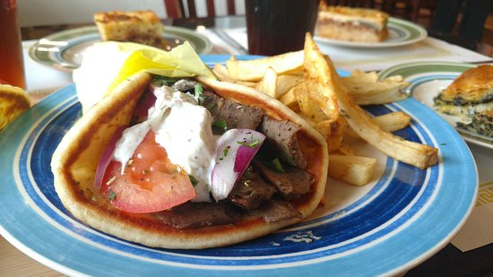 Zorbas Greek Restaurant & Buffet: Gyro sandwich with fires
