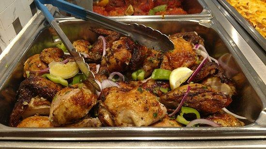 Zorbas Greek Restaurant & Buffet: Greek chicken with lemon