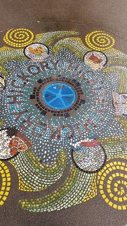 Lowes Foods City Park: Beautiful, mosaic splash pad