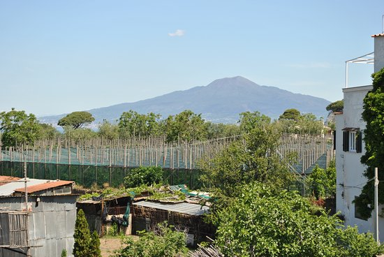 Hotel Alpha: Vesuvius