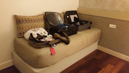 Duquesa Suites Barcelona: Day bed