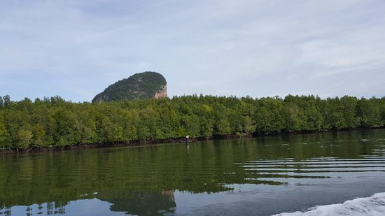 Charming Khaolak Travel & Tour: James bond island. Is the trip very famous for Sunny. He knows all of memories.