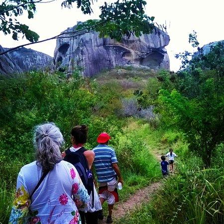 Araruna, PB: trilha pedra da caveira