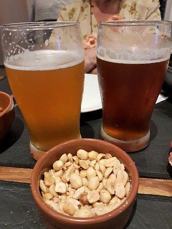 19y57 Cervezas: Rubia y roja, dos opciones que ofrece 1957