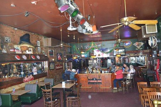 Bracken's Pub