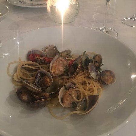 Amalfi: Vongole molto buone 🍝🍷e il Pino di Biserno  🤗😍
