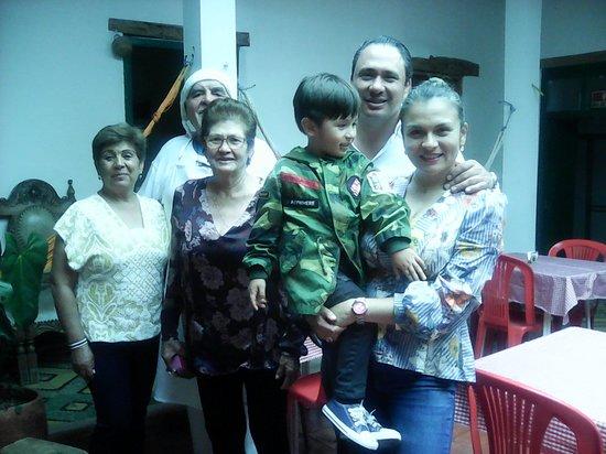 Bella Italia Ristorante Trattoria Familiare : Familia Escobar Romero