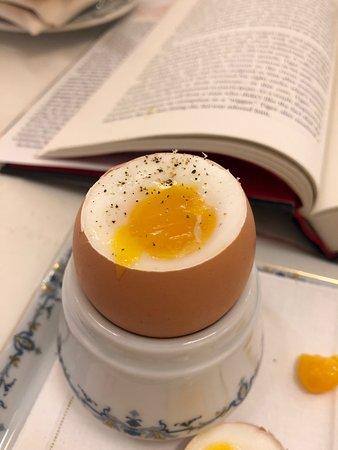Ritz Paris: A perfect 3 minute egg at breakfast at L'Espadon