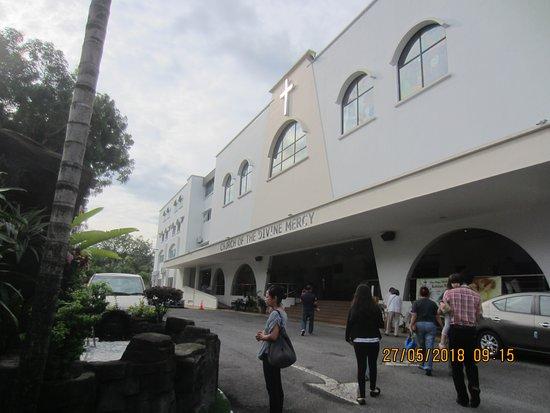 i-City: Divine Mercy Church