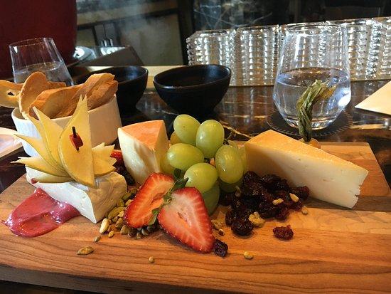 1608 - Wine & Cheese Bar: Yummy local cheeses!