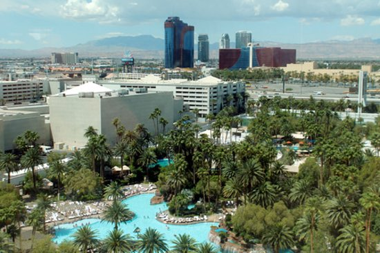 The Mirage Hotel & Casino: Pool view