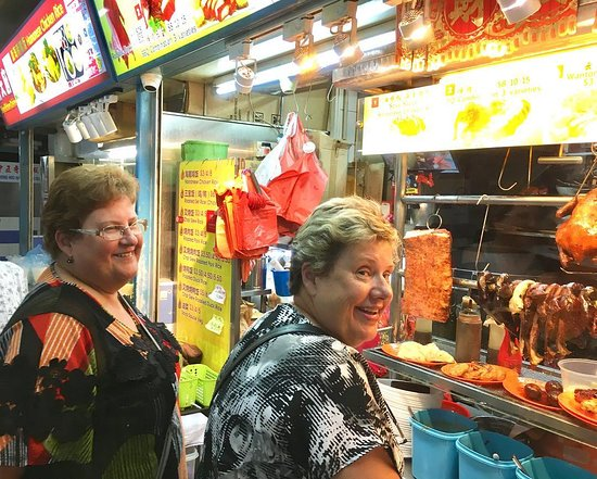 Singapore Foodsters: On a food tour with guests from Australia at Chinatown Hawker Centre