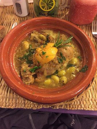 Corner Cafe: tajine de pollo al limon