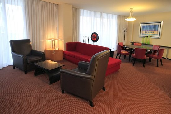 Holiday Inn Parque Fundidora: Suite
