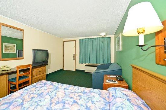 Covington, VA: Guest room