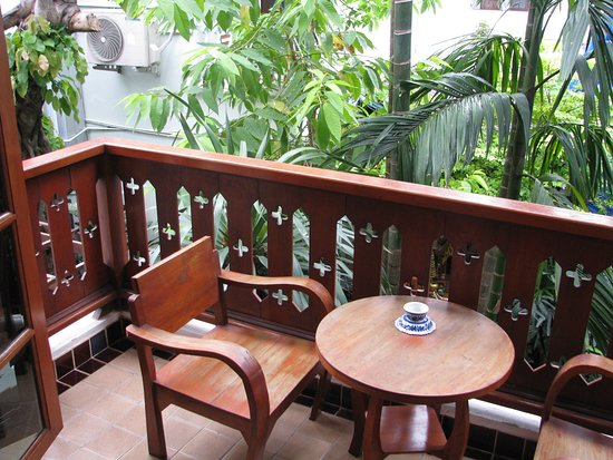 Sri Pat Guest House: Sit here for your morning tea