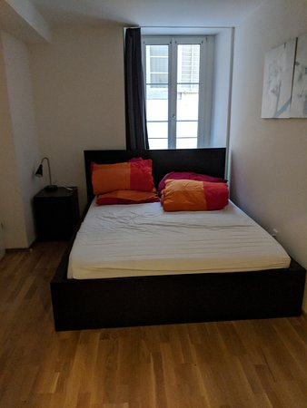 HITrental Old Town Apartments: Main bedroom, 2 bed apartment