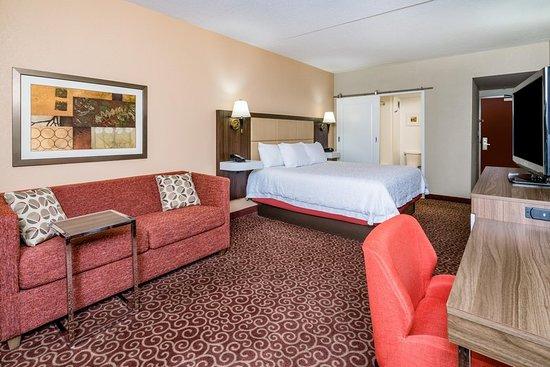Frostburg, MD: Guest room