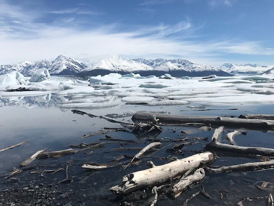 Knik Glacier Tours: Exploring around the glacier