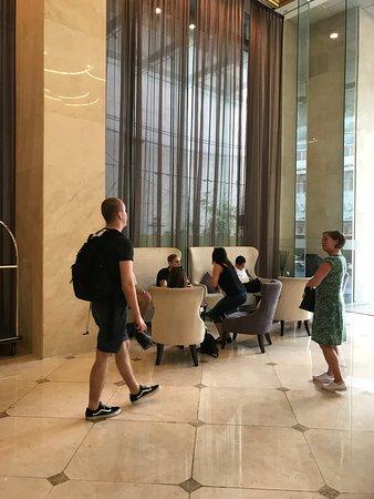 Liberty Central Saigon Citypoint Hotel: Lobbyn på Liberty central