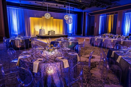 The Canyon Suites at The Phoenician: Ballroom