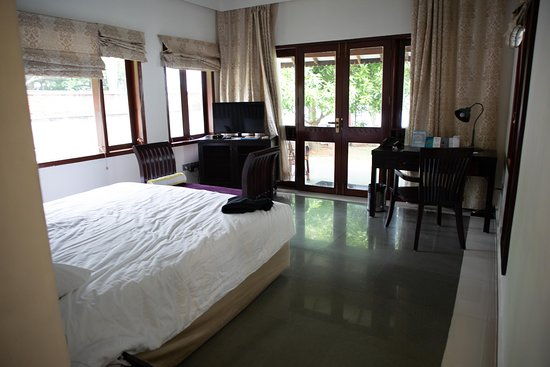 Park Regis Aveda Kumarakom: Room 101. One of the best rooms since the window blinds can be opened with relative good privacy
