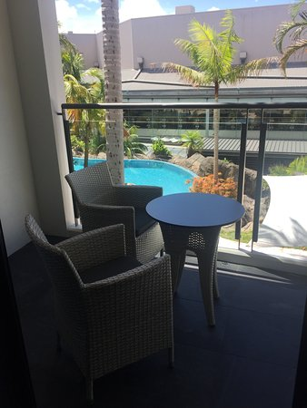 The Executive Inn: King Suite Balcony Poolside (different on all levels)
